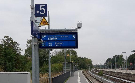Fahrtrichtungsanzeiger Mahlsdorf und Regionalbahnhof