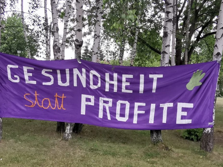 "Demo-Plakat ""Gesundheit statt Profite"""